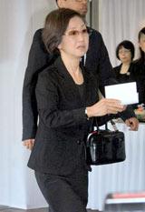田中好子さん告別式に参列した綾戸智恵