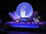 東京ディズニーシーの新ナイト水上ショー『ファンタズミック!』 (C)Disney