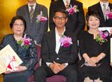 『第19回橋田賞』の授賞式に出席した(左から)野村昭子、中井貴一、泉ピン子