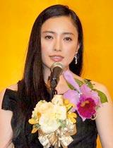 『第19回橋田賞』の授賞式に出席した仲間由紀恵