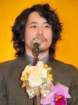 『第19回橋田賞』の授賞式に出席した松山ケンイチ