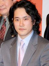 2012年大河ドラマ『平清盛』の男性新キャスト発表会見に出席した松山ケンイチ