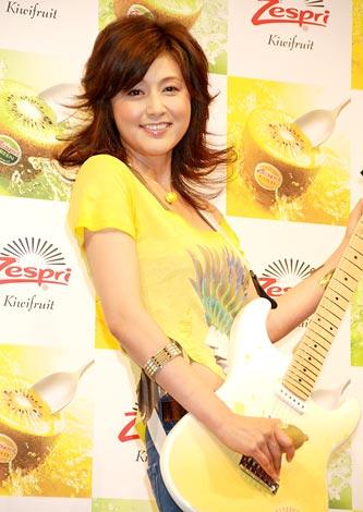 サムネイル 『2011 ゼスプリ キウイ』の新CM発表会に出席した藤原紀香