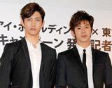 『セブン&アイ・ホールディングス×東方神起 サマーキャンペーン』の記者発表会に出席した(左から)チャンミン、ユンホ