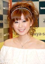 2010年5月のイベントで笑顔を見せていた上原美優さん (C)ORICON DD inc.