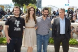 映画『カンフー・パンダ2』の声優を務める(左から)ジャック・ブラック、アンジェリーナ・ジョリー、フランス版でポー役を演じているマヌ・パイエ、ダスティン・ホフマン