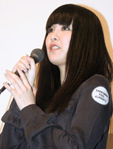 映画『少女たちの羅針盤』の初日舞台あいさつに登壇した矢沢洋子