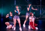 1stシングル「週末Not yet」の発売記念イベントで罰ゲームとして体操着のコスプレを披露した北原里英(右端)