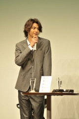 ファンイベント『Presious Time 2011』に登場した速水もこみち