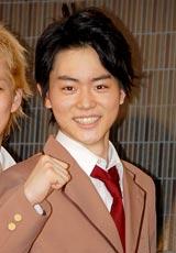 舞台『タンブリング vol.2』初日公演前に公開舞台けいこを行った主演の菅田将暉