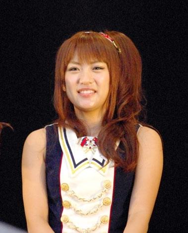 横浜スタジアムで行われたシングル「Everyday、カチューシャ」の発売記念握手会イベントで、デビュー6年目で初のドーム公演決定を発表したAKB48・高橋みなみ (C)ORICON DD inc.