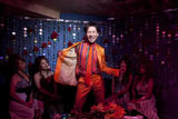 郷ひろみ、22年ぶり映画にGO! (C)2011「劇場版サラリーマンNEO」製作委員会