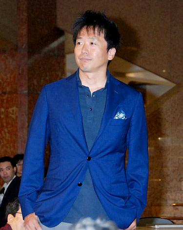 『スーパークールビズ』ファッションショーに登場したテレビ東京・島田弘久アナウンサー (