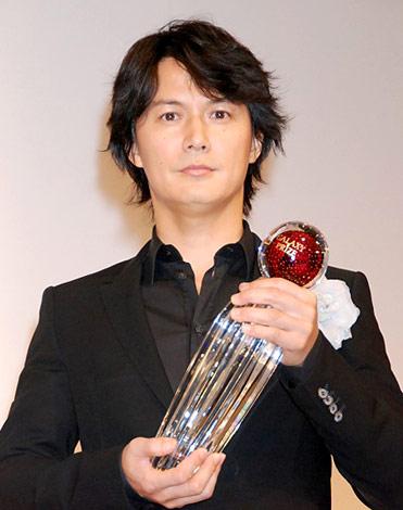 『第48回ギャラクシー賞』の「テレビ部門」で個人賞を受賞した福山雅治 (C)ORICON DD inc.