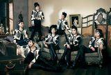 T-ARA(前列左より)ファヨン、ウンジョン、キュリ、ソヨン、ジヨン(後列左より)ボラム、ヒョミン