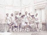少女時代 (左から:スヨン、ヒョヨン、ティファニー、ジェシカ、ユナ、ユリ、テヨン、ソヒョン、サニー)