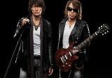 最新作「Don't Wanna Lie」で45作連続シングル首位を獲得したB'z(左から:稲葉浩志、松本孝弘)