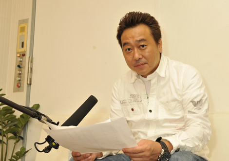 映画『奇跡』のテレビスポットナレーションを務めるさまぁ〜ず・三村マサカズ