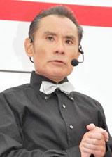 ロッテリア『ホットタンドリーチキンサンド』の発売記念イベントに参加した片岡鶴太郎