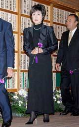美空ひばりさんの『23回忌法要』に参列した小林幸子