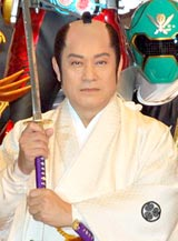 2大ヒーロー映画『仮面ライダーオーズ/OOO』『海賊戦隊ゴーカイジャー』の製作発表記者会見に出席した松平健
