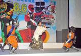 2大ヒーロー映画『仮面ライダーオーズ/OOO』『海賊戦隊ゴーカイジャー』の製作発表記者会見で華麗な立ち回りを披露した松平健