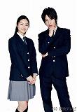 主演の溝端淳平と忽那汐里(左)