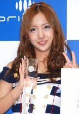 「オリコン2011年上半期ランキング」表彰式に出席した、AKB48の板野友美 (C)ORICON DD inc.