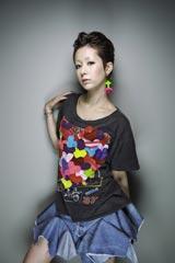 8ヶ月ぶりの新曲を発売する木村カエラ