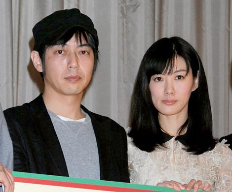 サムネイル 結婚を発表した(左から)スネオヘアー&ともさかりえ (C)ORICON DD inc.