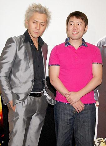 映画『沈黙の宿命 TRUE JUSTICE PART1』のトークショーに出席した(左から)ヒロシ、つぶやきシロー (C)ORICON DD inc.