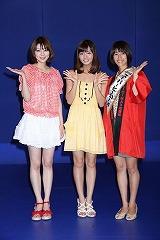 会見に出席した(左から)芳賀優里亜、にわみきほ、前田有紀アナウンサー (C)テレ朝チャンネル