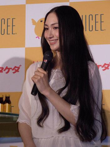 サムネイル 『ハイシーブランド新CM発表会』に出席した香椎由宇 (C)ORICON DD inc.