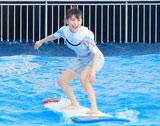 Not yetの2ndシングル「波乗りかき氷」の発売記念イベントで波乗りの腕前を初披露した大島優子