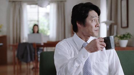 『LIXIL(リクシル)』の新CMに出演する堤真一