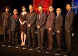劇団EXILEの第5回舞台公演『レッドクリフ−愛』『レッドクリフ−戦−』の製作発表会見に出席した(左から)青柳翔、竹中直人、リン・チーリン、AKIRA、MAKIDAI、陣内孝則、市川右近、KENCHI
