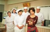 上戸彩も出演! ドラマ『渡る世間は鬼ばかり』2002年に放送された第6シーズンのワンシーン (C)TBS