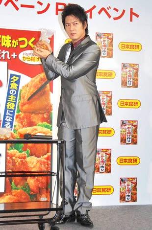 日本食品『から揚げ作り』キャンペーンイベントに出席した細川茂樹 (C)ORICON DD inc.