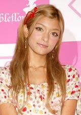 ビーチサンダルブランド『Bubbleflop』の日本上陸記念イベントに出席したローラ (C)ORICON DD inc.