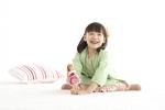 リカちゃんと本当に楽しそうに遊ぶ芦田愛菜。ごっこ遊びの楽しさを教えてくれる