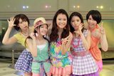 9nine(左から:佐武宇綺、村田寛奈、吉井香奈恵、川島海荷、西脇彩華)