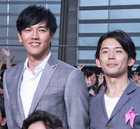 映画『神様のカルテ』完成披露イベントに出席した(左から)要潤、岡田義徳 (C)ORICON DD in