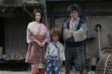 映画『忍たま乱太郎』で共演した加藤清史郎(中央)と檀れい(左)(C)2011実写版「忍たま乱太郎」製作委員会