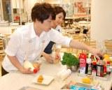 『レシピの研究所・特別研究会』に参加し、料理の腕前を披露した ロンドンブーツ1号2号・田村淳 (C)ORICON DD inc.