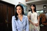 左から鈴木京香、深田恭子 (C)2011映画「セカンドバージン」製作委員会