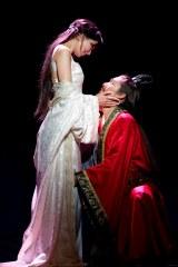 """舞台『レッドクリフ -愛-』 リン・チーリンとAKIRAによる""""愛の物語"""""""