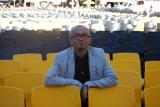 """ロカルノ国際映画祭で特別に設けられた最優秀賞""""金豹賞""""に匹敵する「金豹賞審査員特別賞」を受賞した青山真治監督"""