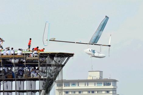 『第34回 鳥人間コンテスト2011』で見事なフライトを見せた宮城県「東北大学Windnauts」