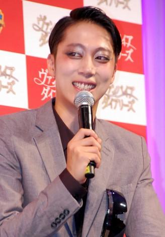 サムネイル 笑顔で交際を報告したはんにゃ・金田哲 (C)ORICON DD inc.