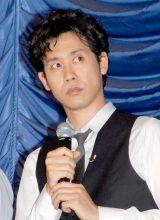 映画『探偵はBARにいる』の完成披露試写会の舞台あいさつでトークを盛り上げた大泉洋 (C)ORICON DD inc.